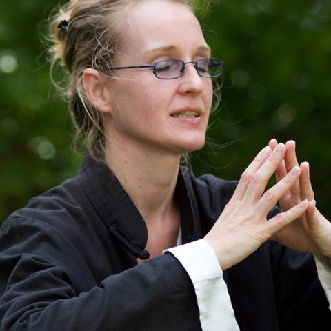 Tai Chi Schülerin in Konzentration - Foto: Ralf Eiser