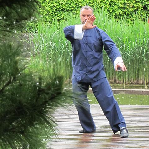 Markus Haunschild bei der Tai Chi Form