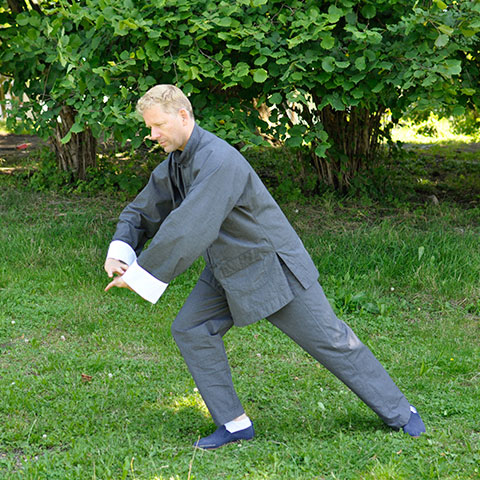 Alexander Sembritzki bei der Tai Chi Form; Foto: Christine Rühmer
